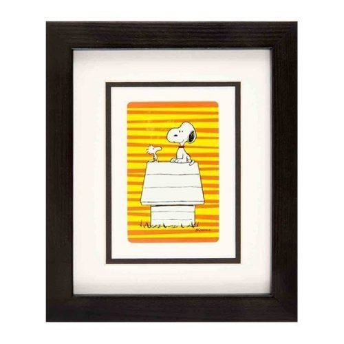 Snoopy - red & yellow striped background